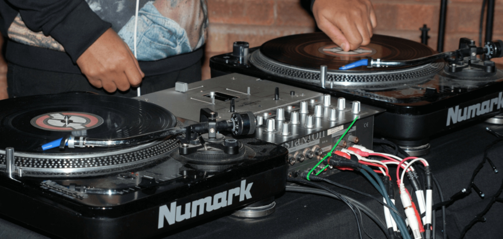 dj-turntables.thumb.png.efdd7d0b0647b5d261e90f4cc74f4dc3.png