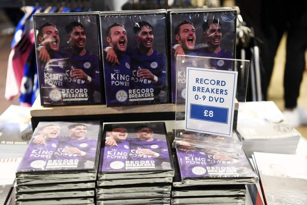 Record_Breakers_DVD.thumb.jpg.df6552f0941aa8f19e89b760a0c8cd6f.jpg